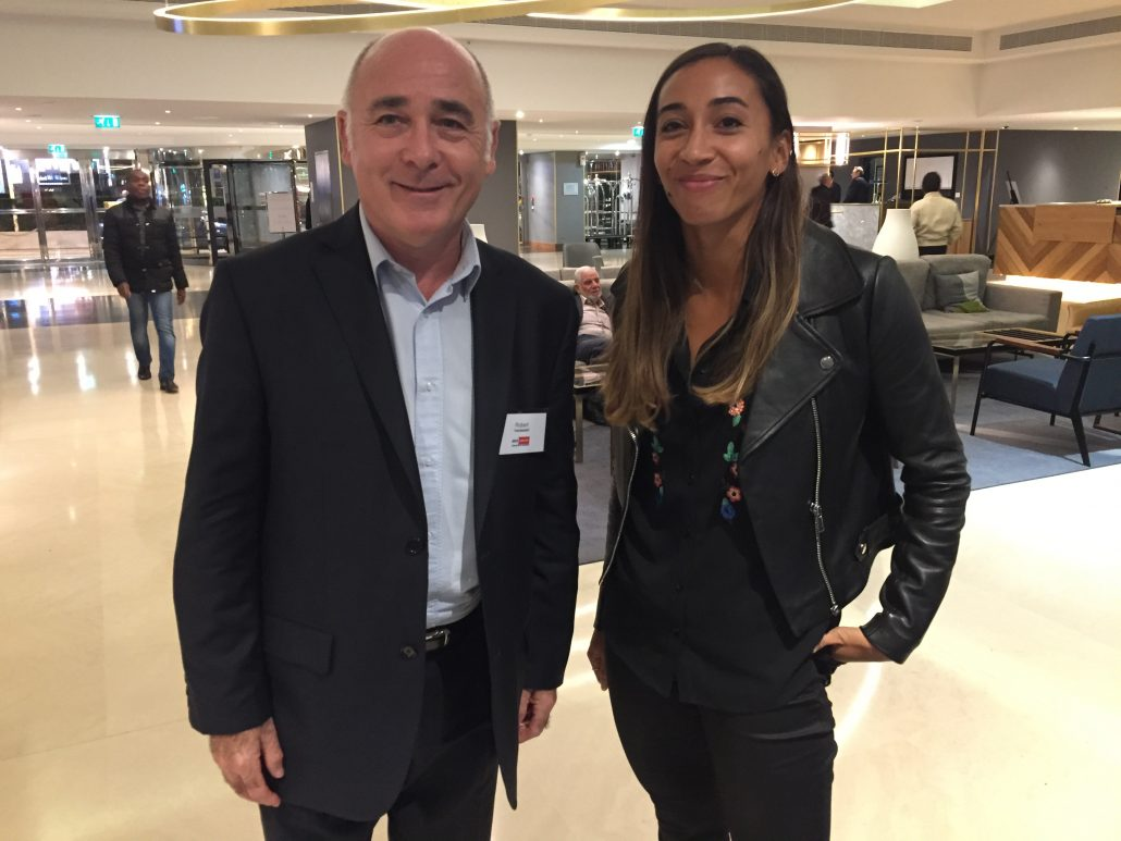 Robert Toussaint et l'athlète AgnèsRaharolahy à la soirée de l'AGORA Supply Chain Management