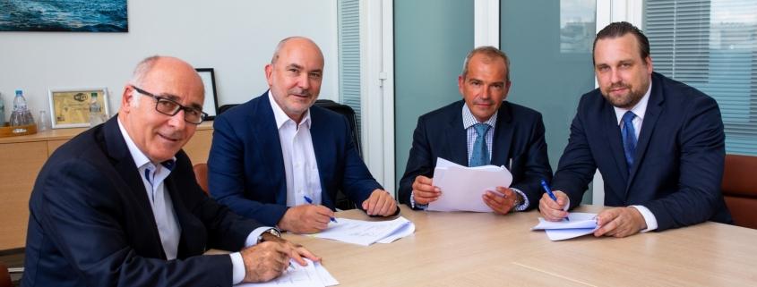 Signature du contrat ALS - Delta Douane - Crédit photo : Hugo Bacoul